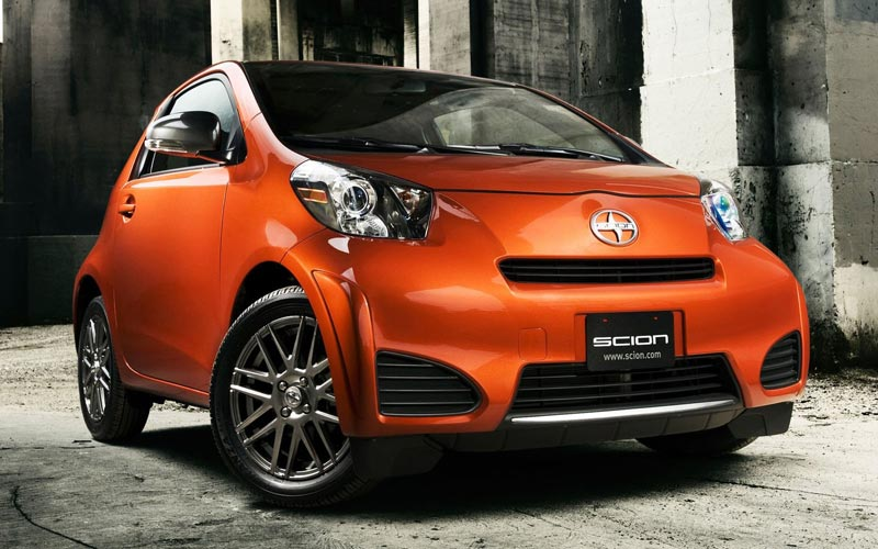 Фото Scion iQ