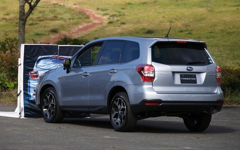 Фото Subaru Forester  (2013-2018)