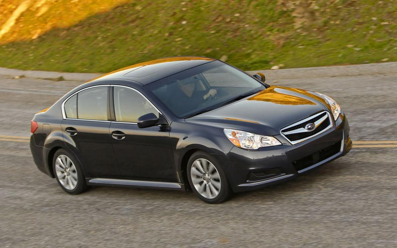 Фото Subaru Legacy  (2010-2012)