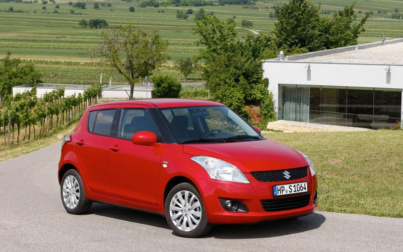 Фото Suzuki Swift  (2010-2017)