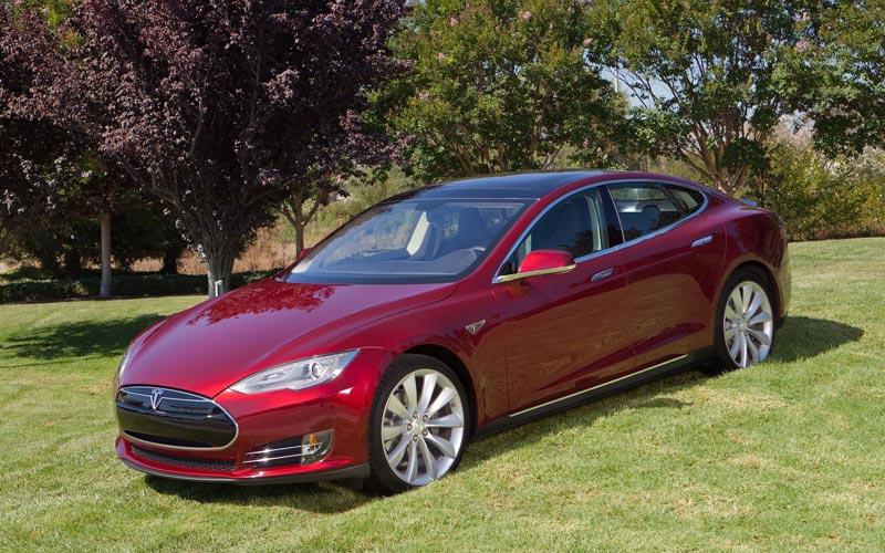Фото Tesla Model S  (2012-2016)