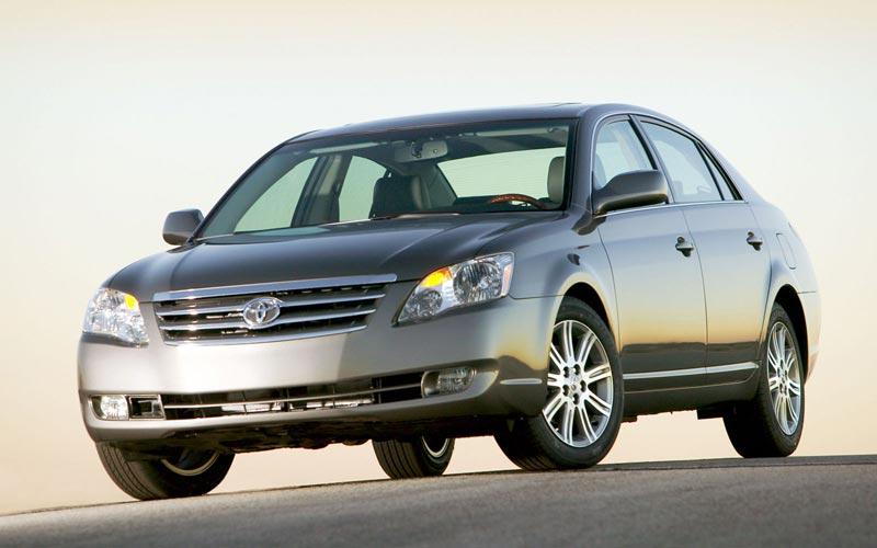 Фото Toyota Avalon  (2005-2009)