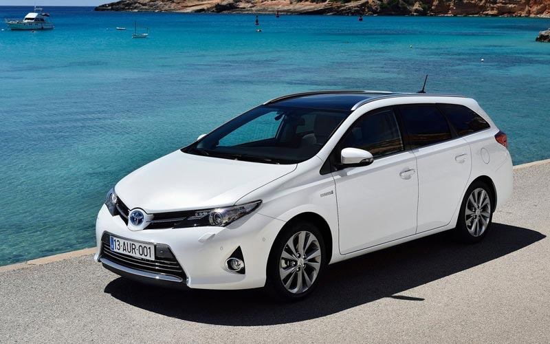 Фото Toyota Auris Touring Sports  (2013-2015)