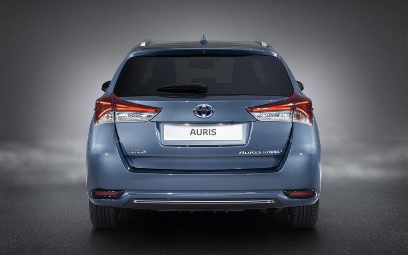 Фото Toyota Auris Touring Sports