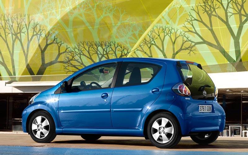 Фото Toyota Aygo  (2009-2011)
