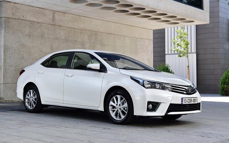 Фото Toyota Corolla  (2013-2016)