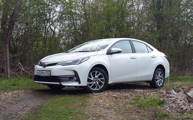 Фото Toyota Corolla  (2016-2018)