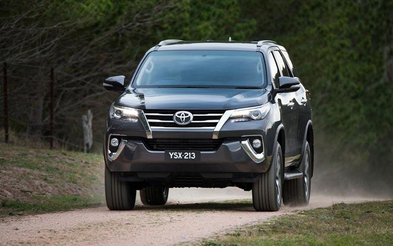 Фото Toyota Fortuner