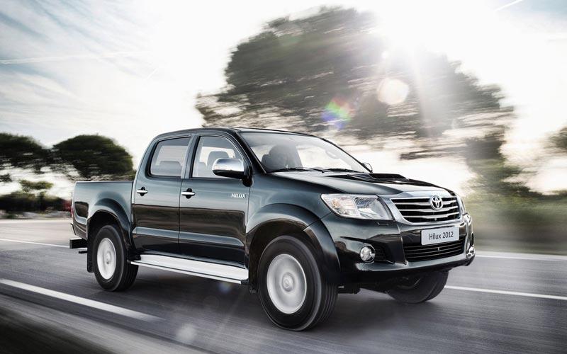Фото Toyota Hilux  (2011-2015)