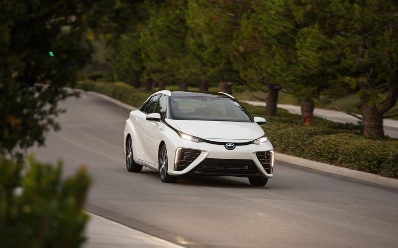 Фото Toyota Mirai