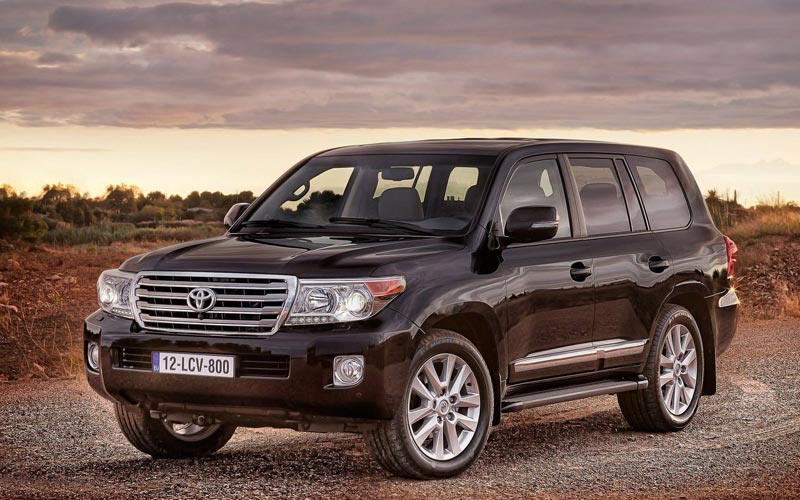 Фото Toyota Land Cruiser 200  (2012-2015)