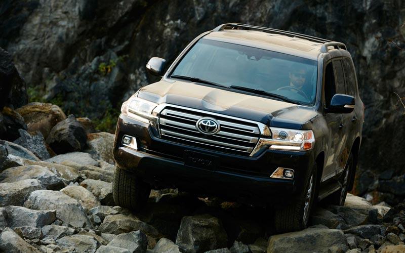 Фото Toyota Land Cruiser 200