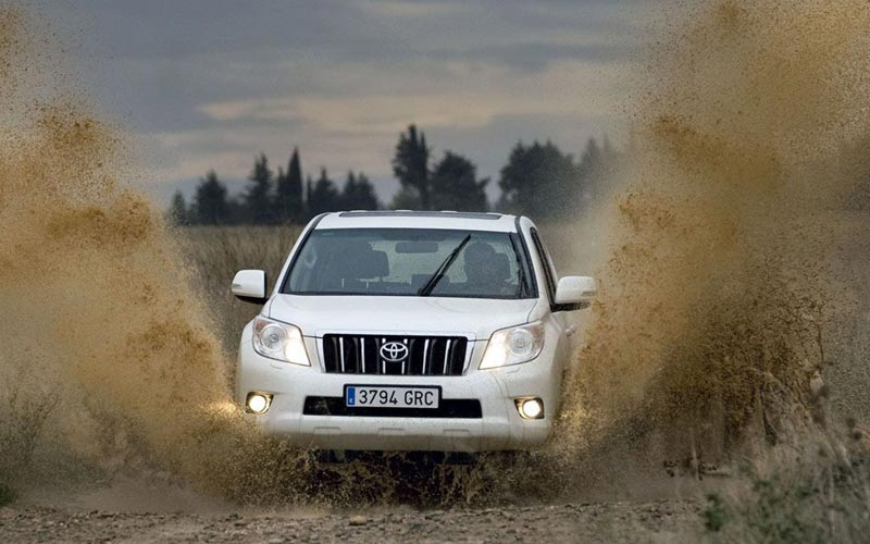 Фото Toyota Land Cruiser Prado  (2010-2013)