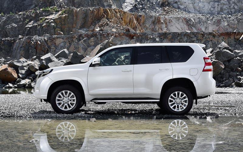 Фото Toyota Land Cruiser Prado  (2013-2017)