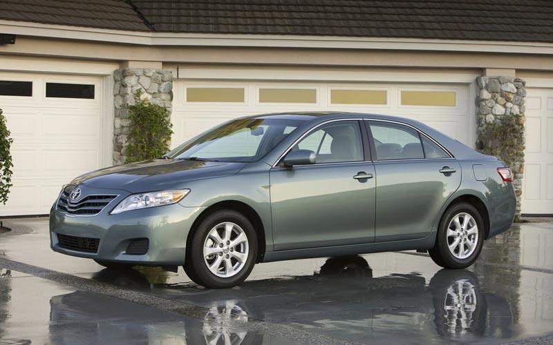 Фото Toyota Camry  (2009-2010)