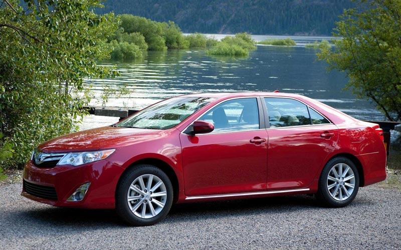 Фото Toyota Camry USA