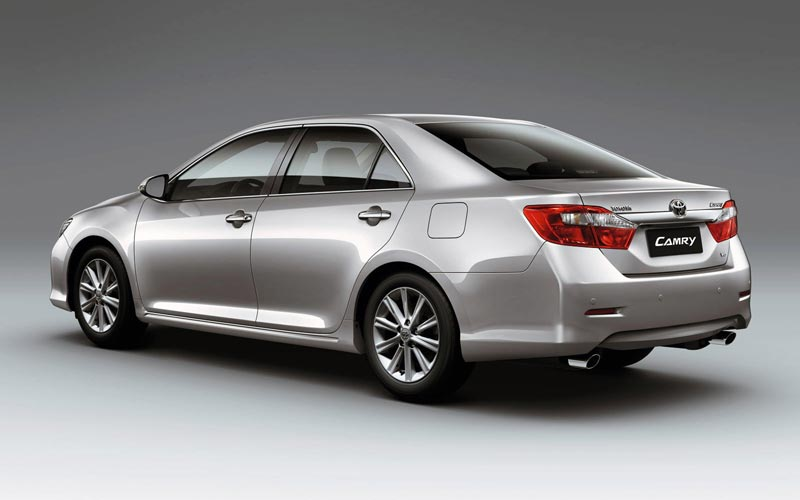 Фото Toyota Camry  (2011-2014)