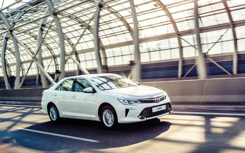 Фото Toyota Camry  (2014-2018)