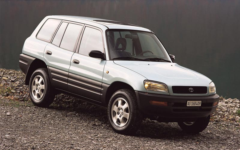 Фото Toyota RAV4  (1995-1999)
