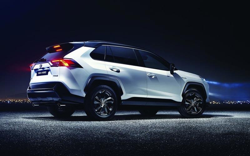Фото Toyota RAV4 2018