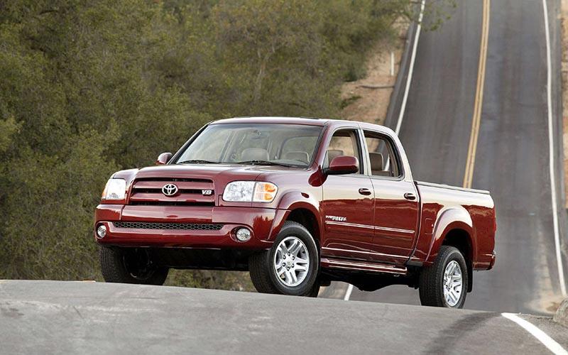 Фото Toyota Tundra  (2004-2006)
