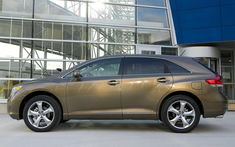 Фото Toyota Venza  (2008-2012)