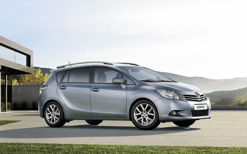 Фото Toyota Verso  (2009-2012)