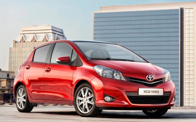 Фото Toyota Yaris  (2011-2014)