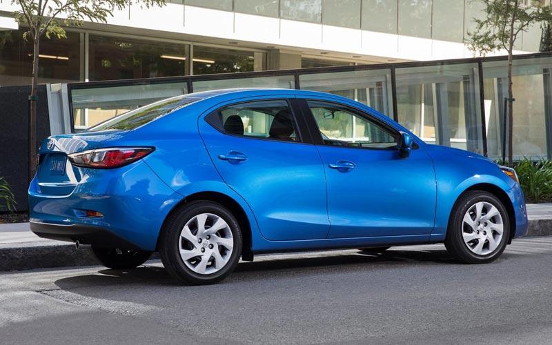 Фото Toyota Yaris Sedan