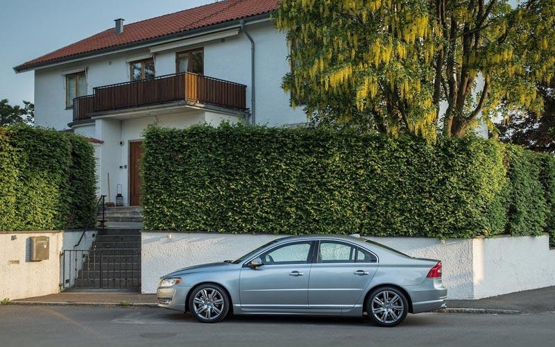 Фото Volvo S80