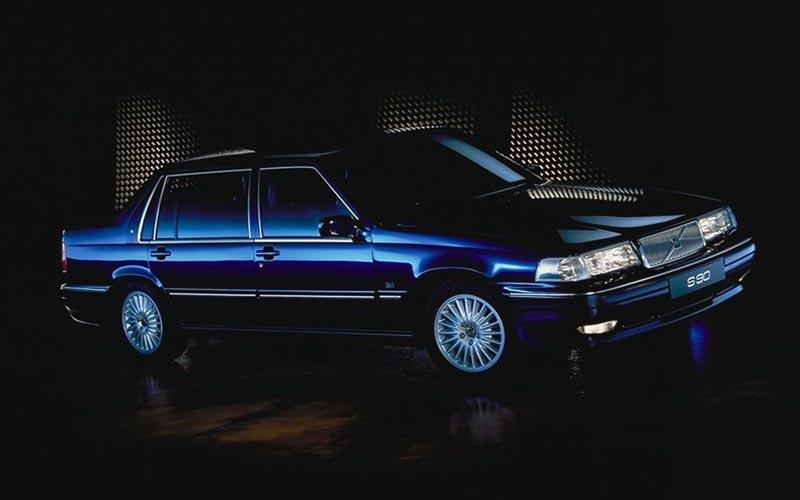 Фото Volvo S90  (1996-1998)