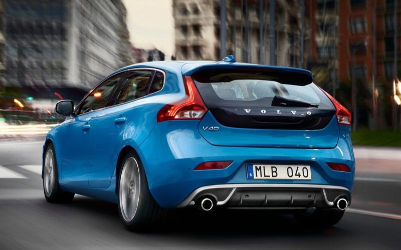 Фото Volvo V40 R-Design