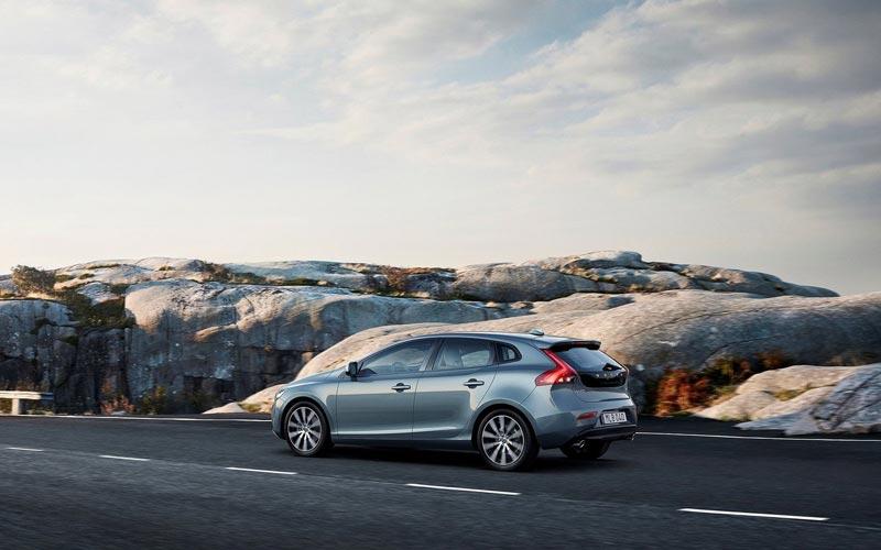 Фото Volvo V40