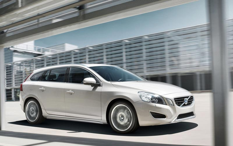 Фото Volvo V60  (2010-2013)