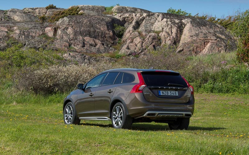 Фото Volvo V60 Cross Country  (2015-2018)