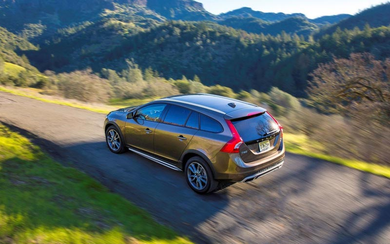 Фото Volvo V60 Cross Country