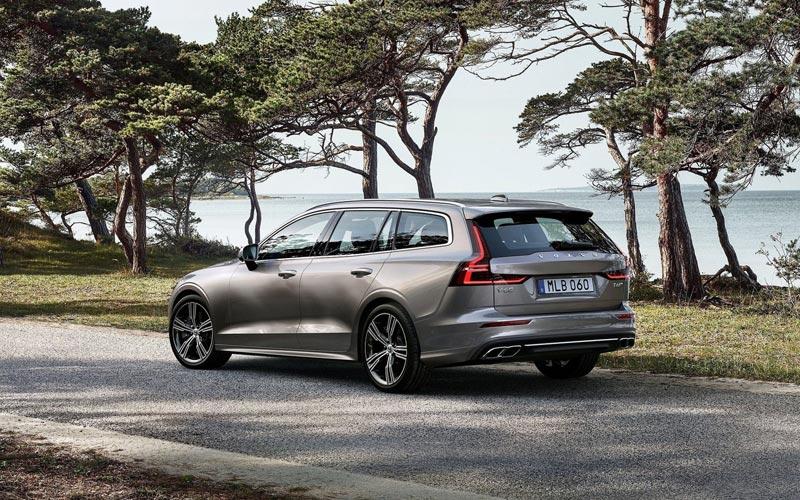 Фото Volvo V60 2018