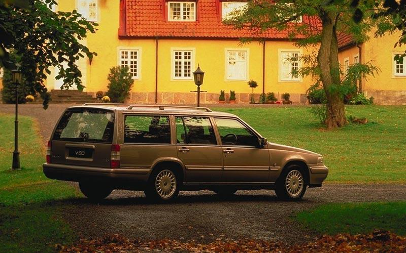 Фото Volvo V90  (1997-1998)