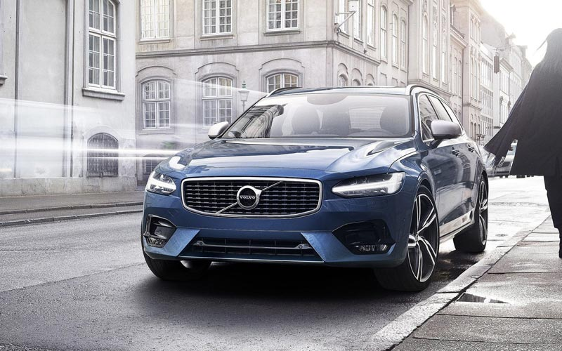 Фото Volvo V90 R-Design