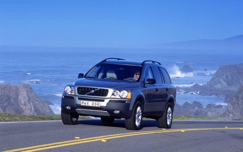 Фото Volvo XC90  (2002-2006)