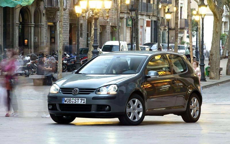 Фото Volkswagen Golf 3-Door  (2004-2008)