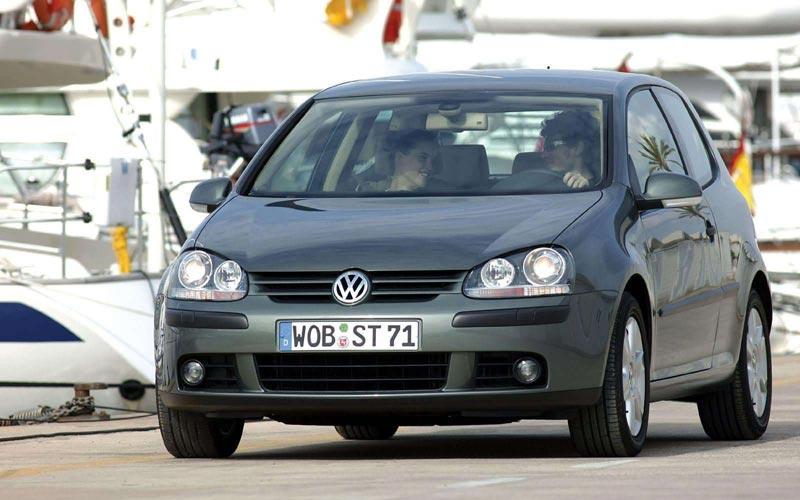 Фото Volkswagen Golf 3-Door  (2004-2008)