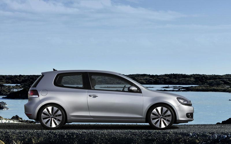 Фото Volkswagen Golf 3-Door  (2008-2012)
