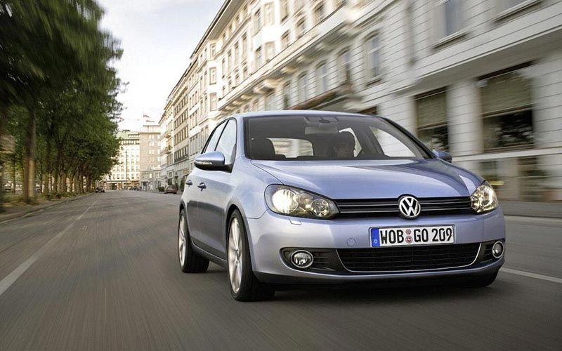 Фото Volkswagen Golf  (2008-2012)