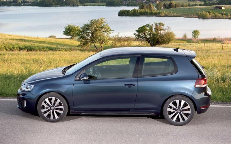 Фото Volkswagen Golf GTD  (2009-2012)
