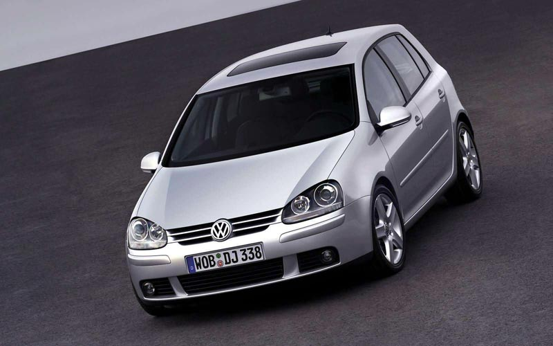 Фото Volkswagen Golf  (2004-2008)