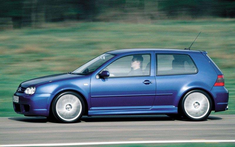 Фото Volkswagen Golf R32  (2002-2004)