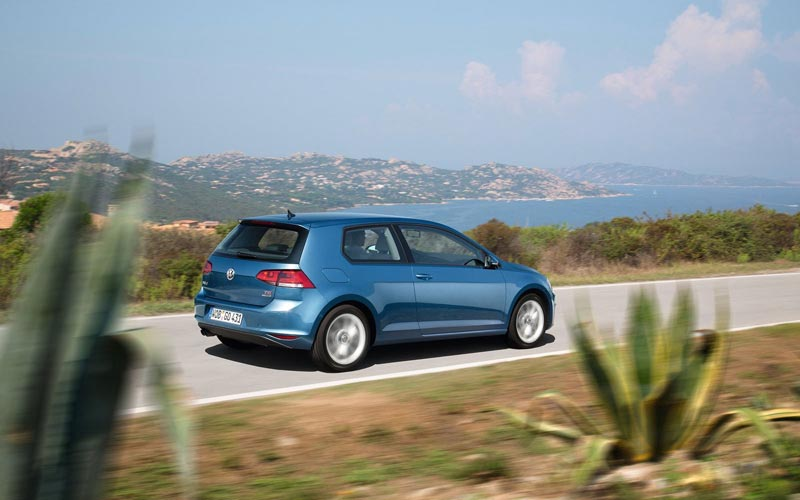 Фото Volkswagen Golf 3-Door