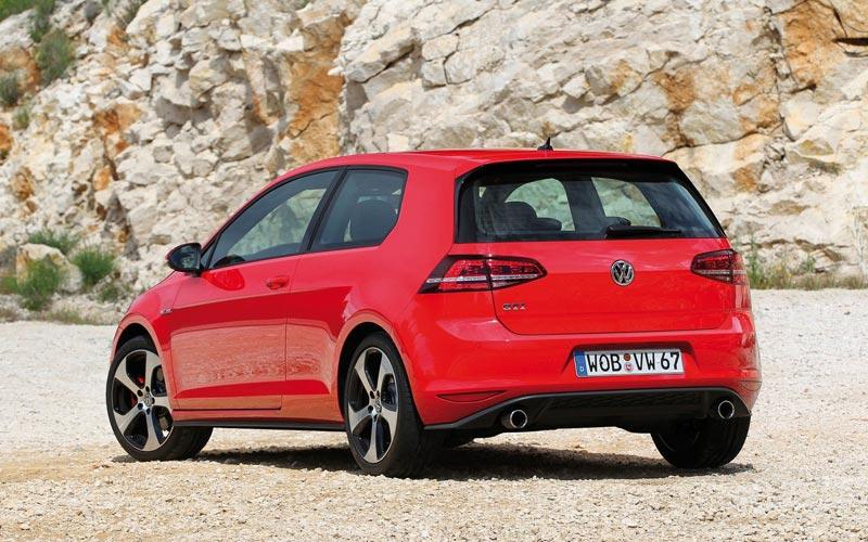 Фото Volkswagen Golf GTI 3-Door