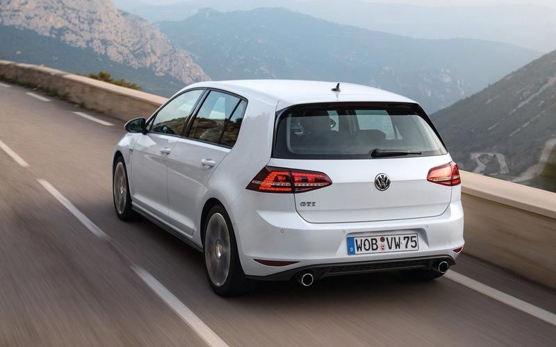 Фото Volkswagen Golf GTI  (2013-2016)